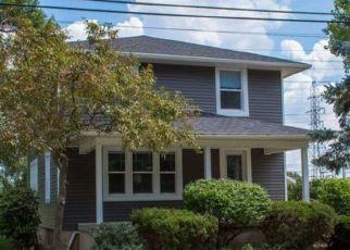 Pre Foreclosure in Mishawaka 46544 LAING AVE - Property ID: 1801115223