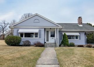 Pre Foreclosure in Watertown 06795 EAST ST - Property ID: 1801565920