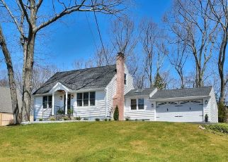 Pre Foreclosure in Fairfield 06825 ROMANOCK RD - Property ID: 1803219699