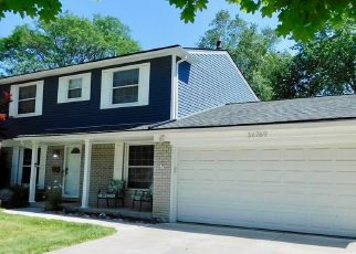 Pre Foreclosure in Livonia 48154 SHERWOOD ST - Property ID: 1804187623