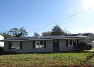 Pre Foreclosure in Toms River 08753 SEA BREEZE RD - Property ID: 1804965453