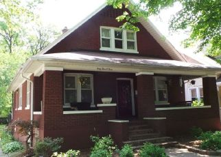 Pre Foreclosure in Louisville 40214 SOUTHERN PKWY - Property ID: 1805393806