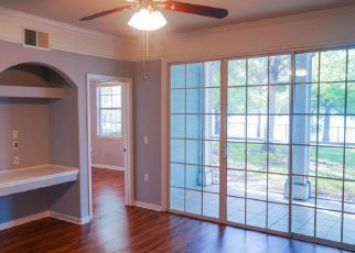 Pre Foreclosure in Jacksonville 32216 TOUCHTON RD - Property ID: 1805430139