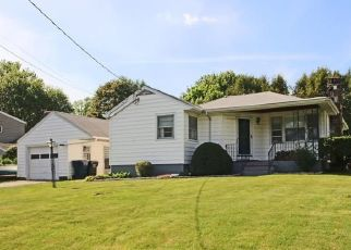 Pre Foreclosure in Trumbull 06611 ELAINE ST - Property ID: 1807778121