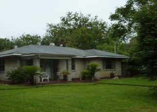 Pre Foreclosure in Jacksonville Beach 32250 8TH ST N - Property ID: 45289297