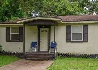 Pre Foreclosure in Tampa 33610 E DIANA ST - Property ID: 587268546