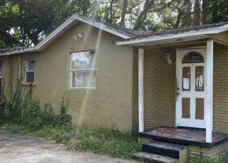 Pre Foreclosure in Tampa 33610 E CAYUGA ST - Property ID: 662972800