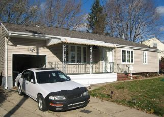 Pre Foreclosure in Brentwood 11717 PERRY ST - Property ID: 696900893