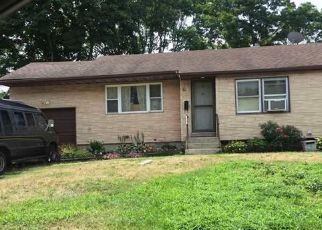 Pre Foreclosure in Brentwood 11717 STOCKTON ST - Property ID: 719708376
