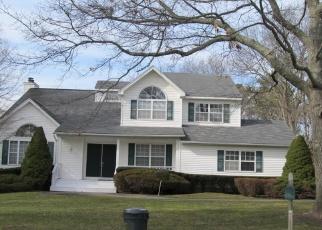 Pre Foreclosure in Medford 11763 TARA CT - Property ID: 739525830