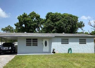 Pre Foreclosure in Opa Locka 33054 SHARAR AVE - Property ID: 746624511