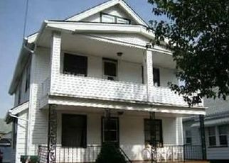 Pre Foreclosure in Lakewood 44107 ROBIN ST - Property ID: 763069105