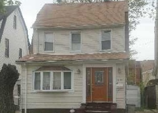 Pre Foreclosure in Saint Albans 11412 201ST ST - Property ID: 764162295