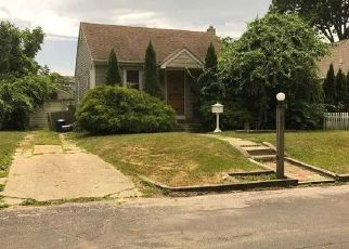 Pre Foreclosure in Lindenhurst 11757 ITHACA ST - Property ID: 777282689