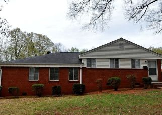 Pre Foreclosure in Charlotte 28208 MARLBOROUGH RD - Property ID: 824843598