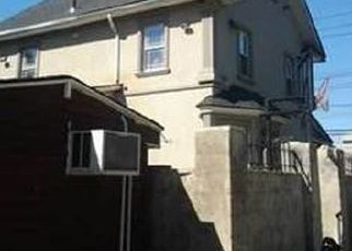 Pre Foreclosure in Staten Island 10305 TOMPKINS AVE - Property ID: 828201545