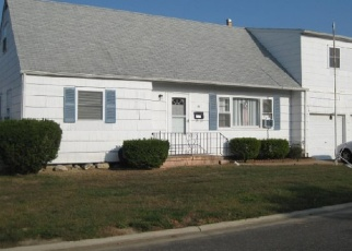 Pre Foreclosure in Babylon 11702 BAYVIEW AVE - Property ID: 830012119