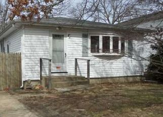 Pre Foreclosure in Ronkonkoma 11779 SHELTER RD - Property ID: 834221494