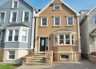 Pre Foreclosure in Staten Island 10305 VIRGINIA AVE - Property ID: 845891760