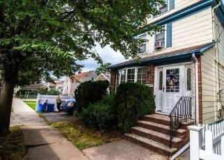 Pre Foreclosure in Staten Island 10310 DELAFIELD AVE - Property ID: 883874611