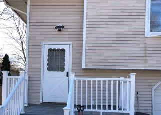 Pre Foreclosure in Ronkonkoma 11779 FIR GROVE RD - Property ID: 889383443