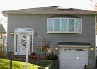 Pre Foreclosure in Staten Island 10309 FOSTER RD - Property ID: 891529966