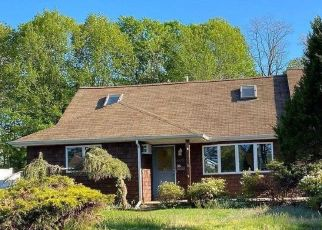 Pre Foreclosure in West Islip 11795 KIME AVE - Property ID: 895323245