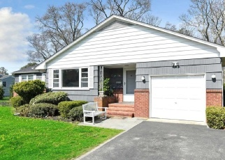 Pre Foreclosure in Patchogue 11772 EVERGREEN LN - Property ID: 895938153