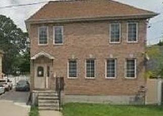 Pre Foreclosure in Far Rockaway 11691 BAY 25TH ST - Property ID: 911327701