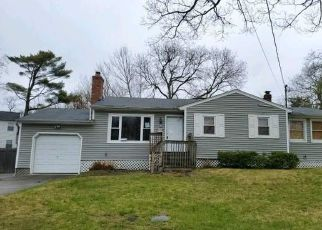 Pre Foreclosure in Ronkonkoma 11779 CHARLES CT - Property ID: 919817829