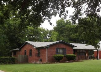 Pre Foreclosure in Memphis 38109 HEDGEROW DR - Property ID: 927281331