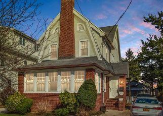 Pre Foreclosure in Brooklyn 11229 E 23RD ST - Property ID: 928526945