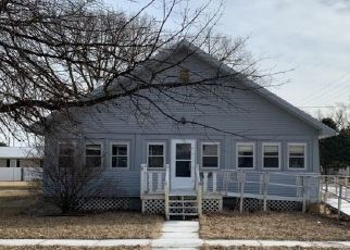 Pre Foreclosure in Wood River 68883 WALNUT ST - Property ID: 928990752
