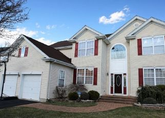 Pre Foreclosure in Franklin Park 08823 TIMBERHILL DR - Property ID: 935014644
