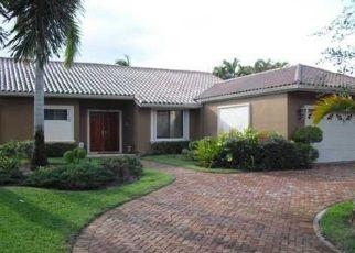Pre Foreclosure in Hialeah 33016 DUNBARTON PL - Property ID: 937272397