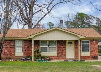 Pre Foreclosure in Summerville 29483 ORANGEBURG RD - Property ID: 943353221