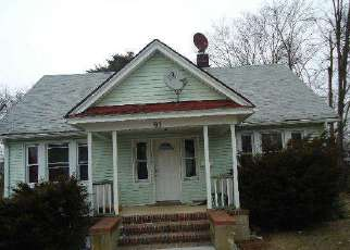 Pre Foreclosure in Bay Shore 11706 2ND AVE - Property ID: 948564687