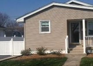 Pre Foreclosure in Lansing 60438 CHICAGO AVE - Property ID: 954324928