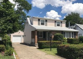 Pre Foreclosure in Saddle Brook 07663 SPRUCE AVE - Property ID: 954380540