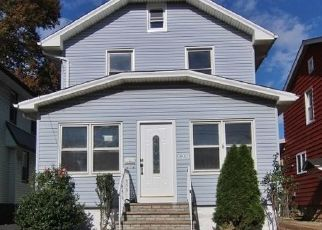 Pre Foreclosure in Elizabeth 07202 GIBBONS CT - Property ID: 955205687