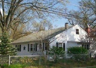 Pre Foreclosure in Clementon 08021 E 13TH AVE - Property ID: 956870869