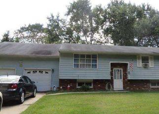 Pre Foreclosure in Atco 08004 MAPLE AVE - Property ID: 957014966