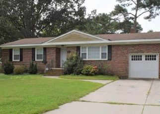 Pre Foreclosure in Virginia Beach 23452 CLINTWOOD LN - Property ID: 957877314