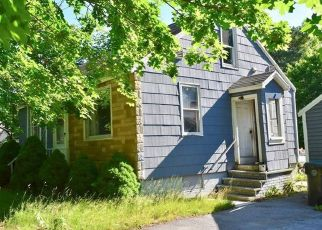 Pre Foreclosure in Scarborough 04074 THIRD AVE - Property ID: 958095879