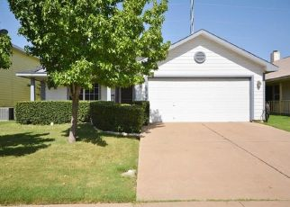 Pre Foreclosure in Waxahachie 75165 WILDFLOWER DR - Property ID: 958208430