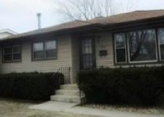 Pre Foreclosure in Highland 46322 99TH PL - Property ID: 961071916