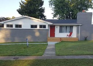 Pre Foreclosure in Radcliff 40160 EDGEWOOD RD - Property ID: 961187980