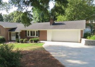 Pre Foreclosure in Greenville 29615 ROLLINGREEN RD - Property ID: 961870331