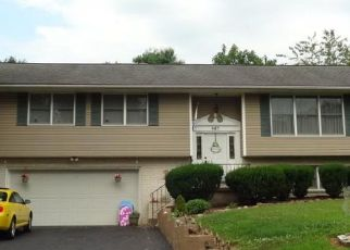 Pre Foreclosure in Lewisberry 17339 RIDGE RD - Property ID: 963772453