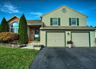 Pre Foreclosure in Etters 17319 BRAEBURN DR - Property ID: 963791730